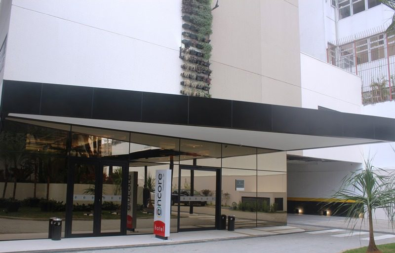O Ramada Encore São Paulo Tiradentes tem 179 apartamentos, distribuídos em seis andares