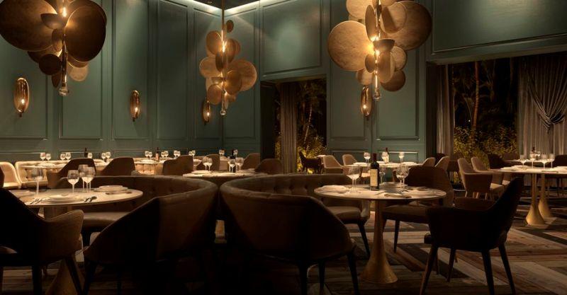 ou incluem experiências culinárias internacionais,  à la carte., como este restaurante Francês