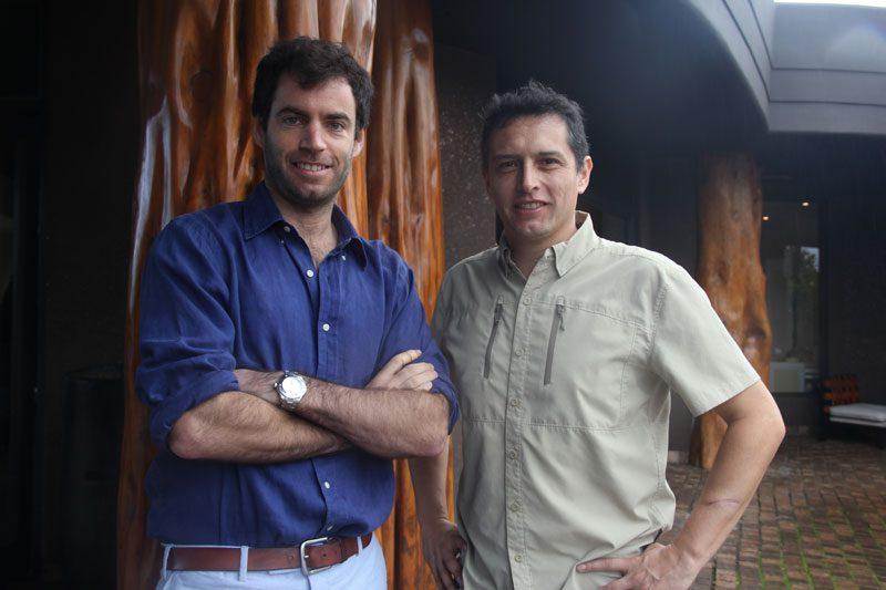 José Sarmiento (diretor do grupo  Transoceânica proprietário do hotel) e Marcelo Becerra (gerente de operações do hotel - Foto: Paulo Atzingen